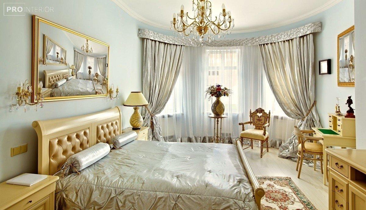 інтер'єр спальні в стилі класицизму