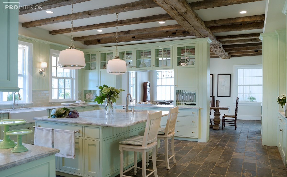 кухня в м'ятних тонах
