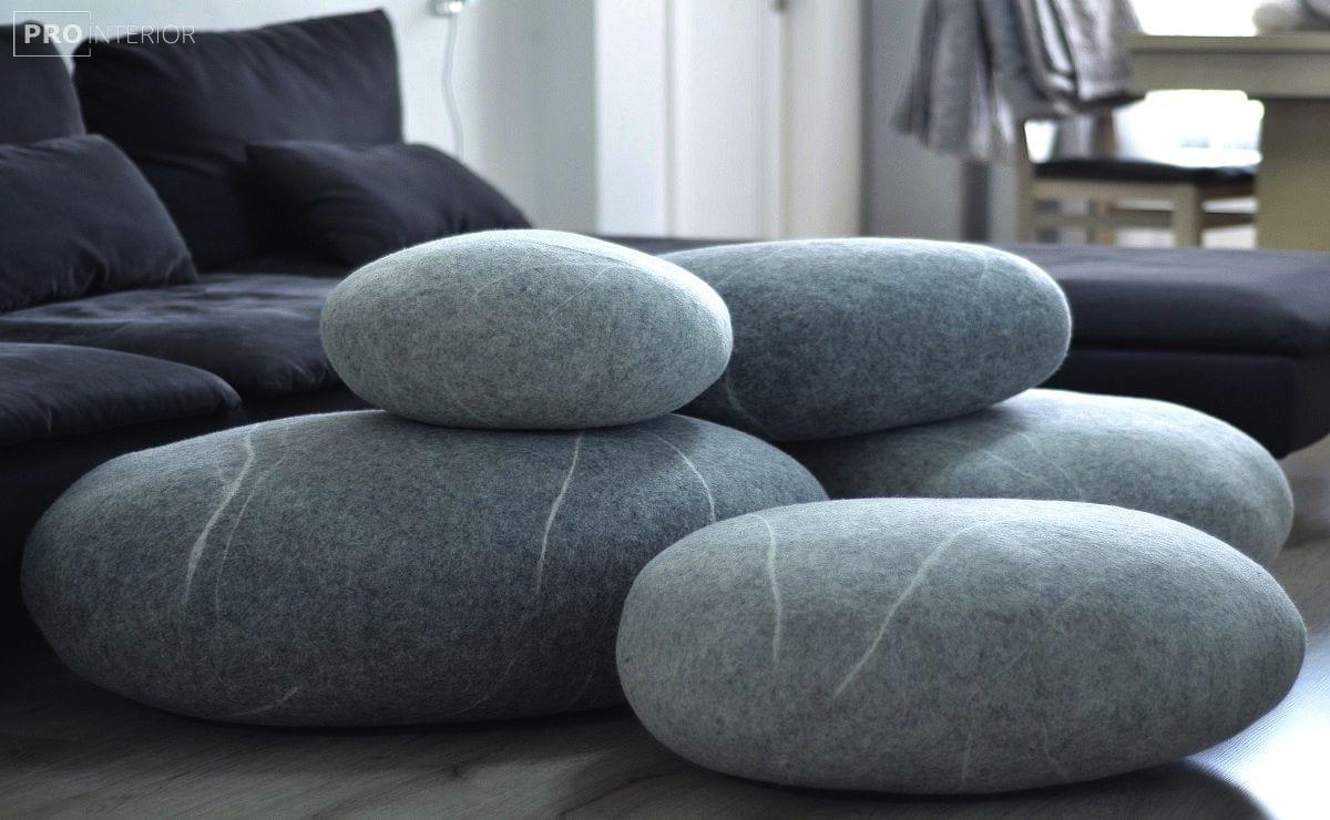 килим з повстяних каменів