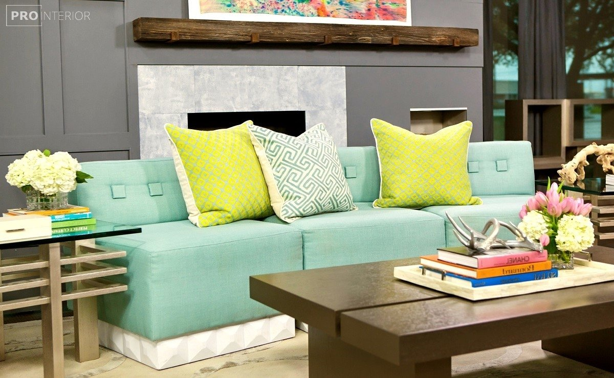 диван м'ятного кольору