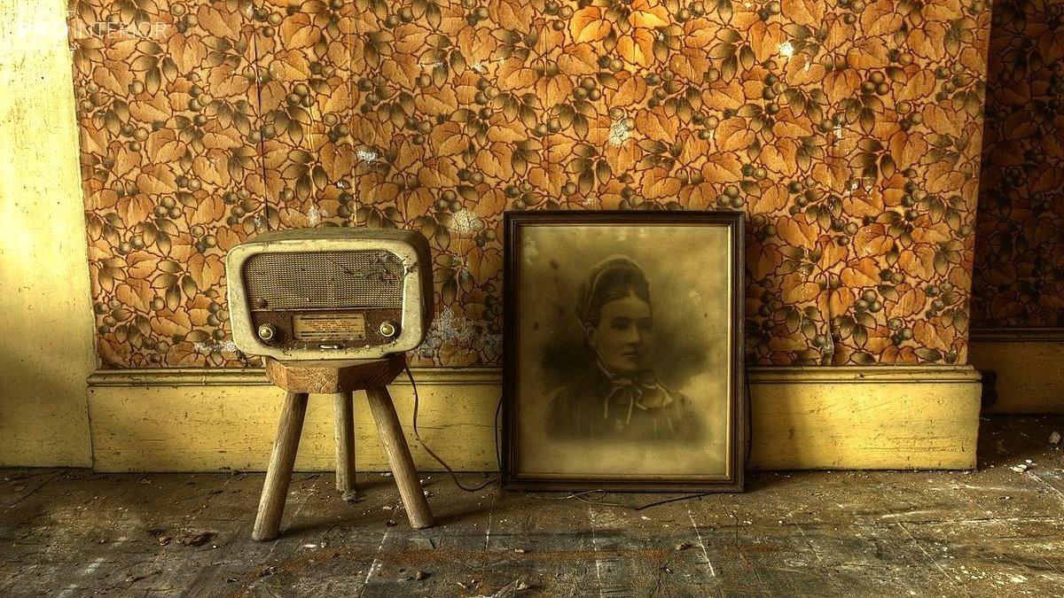 зістарена меблі в інтер'єрі